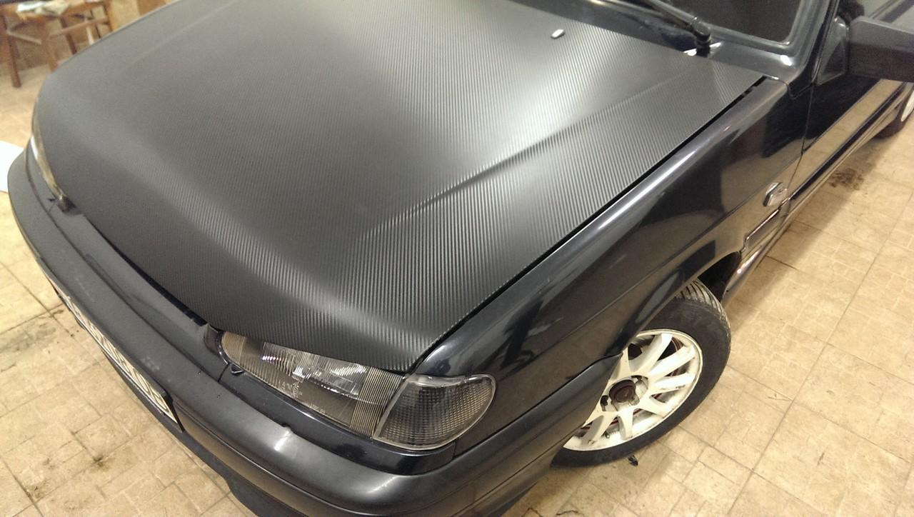 Lada Samara оклейка капота пленкой под карбон 3д черный