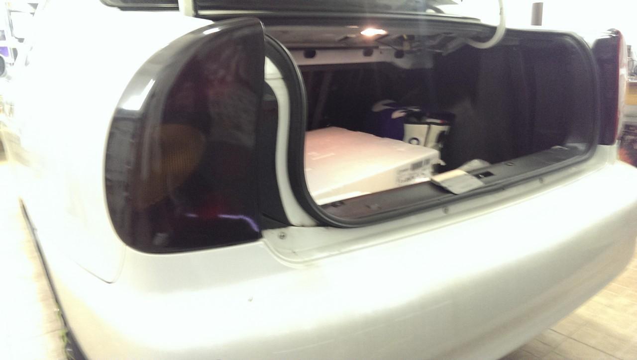 тонировка задних фонарей стопов пленкой на Daewoo Lanos