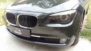 BMW 740 - оклейка фар тонировочной пленкой, антихром оклейка ноздрь решетки радиатора