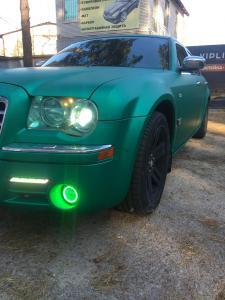 полная оклейка автомобиля crysler 300c матовой пленкой ирпень киев зеленый матовый сатин